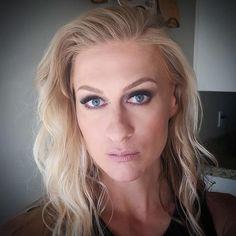 Rocker vibe for tonight  I need to do some makeup asap people. Let's #collab . . . . . . . #makeup #mua #beauty #motd #makeupartistutah #utahmakeupartist #utah #slc #photography #photoshoot #slay #love #obsessed #art #longhair #bighair #blogger #beautyblog #smokeyeye #wedding #makeuptips #momlife #bartender #rockstar #blonde #lashes
