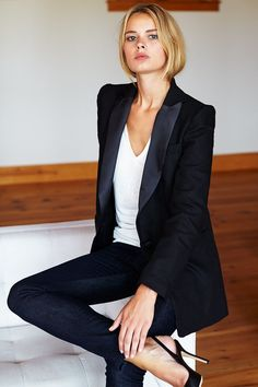 Wingtip 2 - Black Dinner Jacket Black Emerson Fry Tuxedo Jacket with Black Leather Slingback Heels Paar Style, Business Outfit Damen, Business Attire, Business Women, Suits For Women, Clothes For Women, Black Dinner, Casual Chique, Dinner Jacket