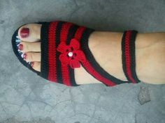 sandale Crochet Sandals, Knitted Slippers, Crochet Slippers, Knit Crochet, Crochet Slipper Pattern, Crochet Flip Flops, Shoe Pattern, Fabric Shoes, Socks