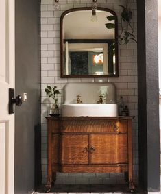 Antique Vintage Cast Iron Farm Bathroom Sink