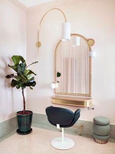 Delphine Courteille's Hair Salon Interior Design Color Schemes, Interior Design Pictures, Interior Design Software, Interior Design Images, Salon Interior Design, Home Hair Salons, Hair Salon Interior, Schönheitssalon Design, Design Ideas