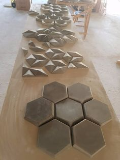 Concrete Furniture, Deco Furniture, 3d Wall Tiles, 3d Wall Decor, 3d Cnc, 3d Wall Panels, Decoration Originale, Concrete Tiles, Geometric Wall