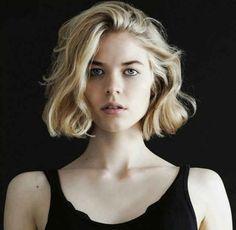 Q: Should I Dye My Fine, Curly Hair Blonde?