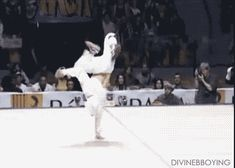 If only I had stuck with those hip hop classes when I was 12 years old...   25 Gifs That Will Make You Take Breakdancing Seriously