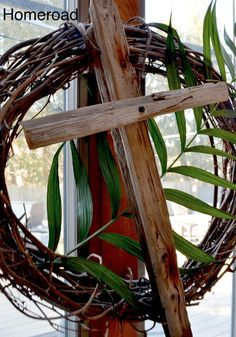 homeroad: Rustic Easter Crosses~ could use small grapevine wreath & put purple rustic cross w/ lilies in it w/ a palm leaf. Lent Decorations For Church, Cross Wreath, Wedding Ceremony Flowers, Altar Flowers, Easter Religious, Easter Cross, Palm Sunday, Easter Wreaths, Spring Wreaths