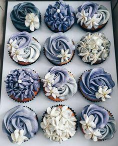 Boston Cream Pie Cupcakes - New ideas Cupcakes Flores, Flower Cupcakes, Wedding Cupcakes, Bridal Shower Cupcakes, Pretty Cakes, Cute Cakes, Beautiful Cakes, Amazing Cakes, Deco Cupcake
