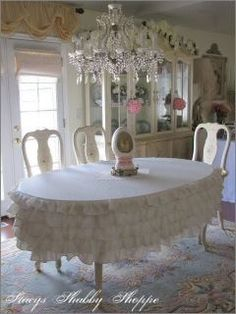 love the ruffled tablecloth!