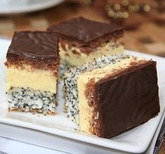 Hungarian Desserts, Hungarian Recipes, Hungarian Food, Sweets Recipes, Cooking Recipes, Poppy Cake, Kolaci I Torte, Romanian Food, Cake Bars