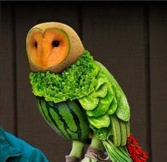 Owl made by vegetables and fruit, amazing!