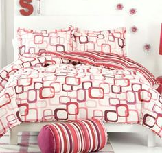 red-and-pink-Geometrical-Bed-Linen-Shapes--588x556