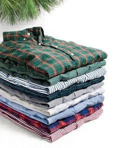 J.Crew men's secret wash shirts. Get him something he wants but doesn't already have, with our broken-in button-downs that have been best sellers since 2005, but come in brand-new custom colors and patterns.