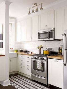 Cool 80+ Awesome Rustic Farmhouse Kitchen Cabinets Decor Ideas Of Your Dreams https://carribeanpic.com/80-awesome-rustic-farmhouse-kitchen-cabinets-decor-ideas-dreams/