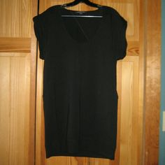 Alexander Wang French Terry T Dress Tunic This dress/tunic is preloved but still in very good condition. It is the French Terry T-Dress  which is a u - neck muscle sleeve sweatshirt dress with ruched cuffs. Features diagonal seaming, dropped shoulders, dropped armholes, and ruched cuffs that are inside out. It is a straight relaxed  fit with ribbed banding at the hem. Made of 53% modal 43% cotton 4% spandex. Tag size is small. Alexander Wang Dresses