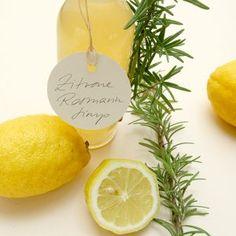 Zitronen-Rosmarin-Sirup selbstgemacht | STUDIO KARAMELO | lemon rosemary sirup Healthy Food List, Healthy Eating Tips, Lemon Syrup, Snack Recipes, Snacks, Vegetable Drinks, Love Food, Tea Party, Smoothies