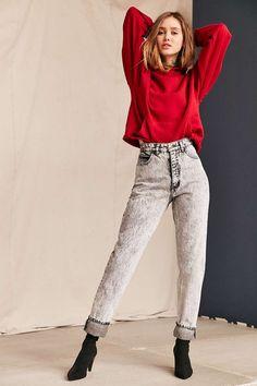 Vintage Guess Black Acid Wash Jean - Urban Outfitters Vintage Outfits, Vintage Fashion, Look Vintage, Guess Jeans, New Wardrobe, Mode Inspiration, Colorful Fashion, Acid Wash Jeans Outfit, Jeans Style