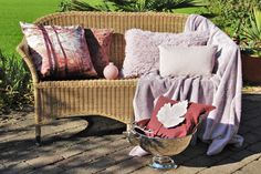 Zierkissen in Rose Wicker, Blanket, Chair, Bed, Furniture, Home Decor, Interior Decorating, Creative Ideas, Home Decor Accessories