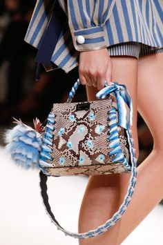 The best designer bags and bags trends from the Spring/Summer 2017 fashion collections so far - Sale! Shop at Stylizio for womens and mens designer handbags luxury sunglasses watches jewelry purses wallets clothes underwear Burberry Handbags, Prada Handbags, Fashion Handbags, Fashion Bags, Fashion Top, Fashion 2018, Fashion Jewelry, Zapatillas Louis Vuitton, Best Designer Bags