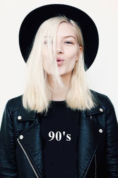 Medium length haircut for modern girls, 90's inspired hairstyle. Straight hair, maybe a kind of Kate Moss style.