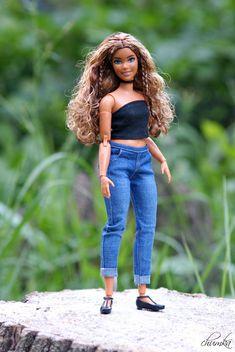 Barbie Hair, Barbie Life, Barbie Dolls, Barbie Gorda, Barbie Tumblr, Sewing Barbie Clothes, Barbie Fashionista Dolls, Afro, Cute Spring Outfits
