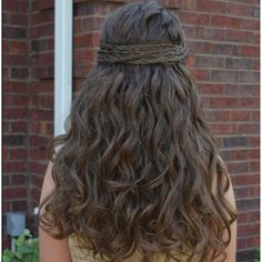 Cool Long Messy Curly Brown Homecoming and Prom Hairstyle – Homecoming Hairstyles 2014 Source by Meg Ryan Hairstyles, Girl Hairstyles, Wedding Hairstyles, Hair Styles 2014, Medium Hair Styles, Long Hair Styles, Hc Hair, Braided Hairstyles Tutorials, Hair Tutorials