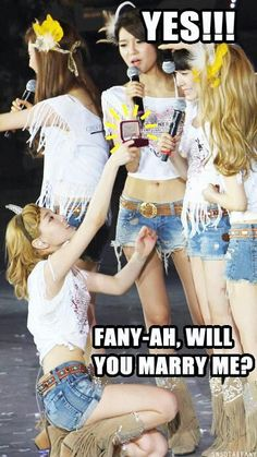SNSD Taeyeon and Tiffany lol