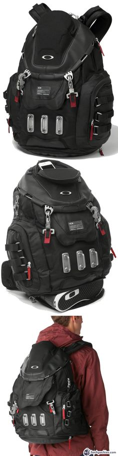 Oakley Kitchen Sink backpack - Best backpack for Crossfit - Learn more at https://backpackies.com/blog/best-crossfit-backpack