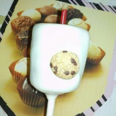 Milk and Cookies Cake pop - The Cake's Truffle