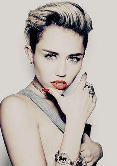 Miley Cyrus New Short Haircut