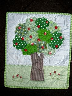 DQS4 Apple Tree Quilt by lululollylegs, via Flickr