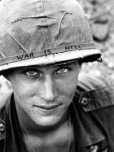 'Vietnam US War is Hell' Photographic Print - Horst Faas | AllPosters.com Nikola Tesla, Tour Eiffel, Elvis Presley, Disneyland, History Of Wine, Black History Month Activities, Rare Historical Photos, Historical Quotes, Les Beatles