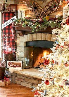 Inspiring Rustic Christmas Fireplace Ideas To Makes Your Home Warmer 06 Christmas Fireplace Mantels, Cabin Christmas, Classy Christmas, Country Christmas, Fireplace Ideas, Merry Christmas, Fireplace Decorations, Christmas Mood, Plaid Christmas