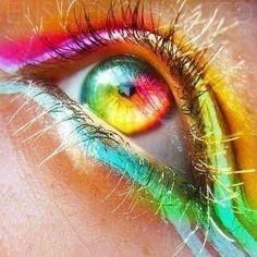 Rainbow eye make-up Pretty Eyes, Cool Eyes, Beautiful Eyes, Amazing Eyes, Amazing Makeup, Aesthetic Eyes, Rainbow Aesthetic, Rainbow Eyes, Rainbow Colors
