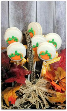 Everyone has a favorite cookie. The Oreo is the favorite for a lot of people because they are such a versatile little cookie that you can incorporate them in any type of themed party or get together! These pumpkin oreo pops are a perfect example. They're easy and fun to make, and the kids will enjoy helping you make them almost as much as they will enjoy eating them! Try a batch today and be inspired to create your own design!