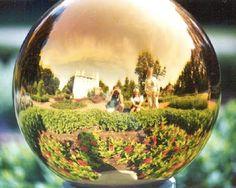Ultimissime dall'orto: #GazingGlobe sfere di vetro dei giardini vittoriani #GazingBalls #garden #decor