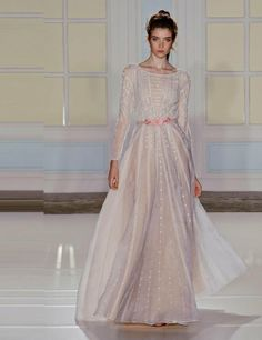 Temperley London Spring/Summer London Fashion Week S/S 2014 Bridal Looks, Bridal Style, Beautiful White Dresses, Paris Mode, London Spring, Mini Vestidos, Costume, Bridesmaid Dresses, Wedding Dresses
