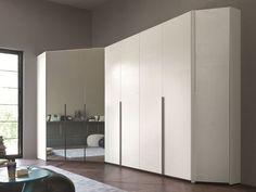 armadio ad angolo moderno
