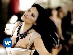 Laura Pausini - Yo Canto (Official Music Video)