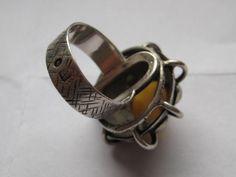 Stary pierścionek z lat 70 tych ORNO z bursztynem