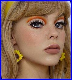 Vintage Makeup Looks, Makeup Eye Looks, No Eyeliner Makeup, Cute Makeup, Hair Makeup, 70s Makeup Look, Color Eyeliner, Makeup Eyes, Makeup Trends