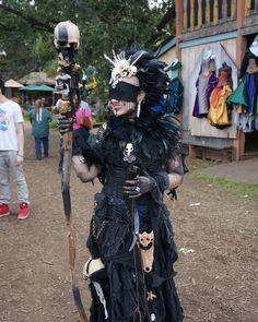 Death priestess at the Minnesota Renaissance Festival. Fantasy Costumes, Cosplay Costumes, Halloween Costumes, Voodoo Costume, Renaissance Festival Costumes, Renaissance Fair, Renaissance Clothing, Warlock Costume, Priestess Costume