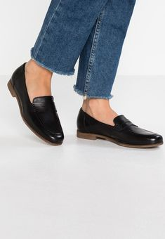 new product 48b75 f782f Pier One Slip-ons - black - Zalando.co.uk Högtidsskor, Avundsjuka