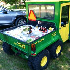 """John Deer Picnic"" Keep your food and drinks cold by setting everything on ice in the back of your tractor!"