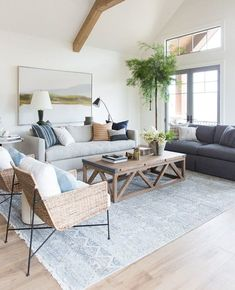 What the Pros Are Saying About Coastal Living Room Decor and How It Affects You - homeexalt Boho Living Room, Interior Design Living Room, Home And Living, Living Room Decor, Hamptons Living Room, Living Room Rugs, Coastal Living Rooms, Family Room Design, Living Room Colors