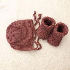 Mørk gammelrosa babylue og strømper. Baby Shoes, Kids, Shopping, Clothes, Fashion, Threading, Young Children, Outfits, Moda