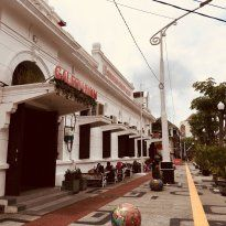 Semarang Old Town, Semarang: Lees beoordelingen van echte reizigers zoals jij en bekijk professionele foto's van Semarang Old Town in Semarang, Indonesië op TripAdvisor.