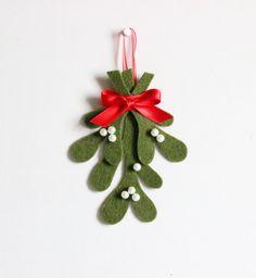 Natale vischio vischio tradizionale decorazione, ornamento di Natale, Natale Home Decor, Decor Holiday, verde bianco rosso, Natale feltro by LorenzaPari on Etsy
