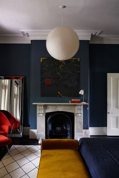 House tour: restoration in Sydney by Arent & Pyke gallery - Vogue Living Nordic Living Room, Victorian Living Room, Modern Victorian, Victorian Homes, Bedroom Wall Colors, Bedroom Red, Red Walls, Navy Walls, Black Walls