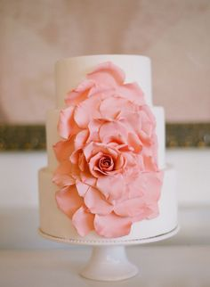 If you are planning a spring wedding and thinking over desserts, let them eat cake! We've prepared awesome ideas for a spring wedding cake that will Wedding Cake Roses, Wedding Cakes With Flowers, Rose Wedding, Spring Wedding, Floral Wedding, Rustic Wedding, Wedding Coral, Dream Wedding, Summer Weddings