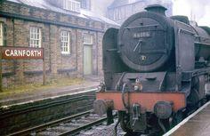 46106 Gordon Highlander passing Carnforth c. Diesel Locomotive, Steam Locomotive, Gandy Dancer, Steam Trains Uk, Abandoned Train, Steam Railway, Train Times, Train Art, Train Engines
