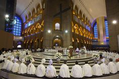 Clarin.com HD: Foto -- Clerics hear the Pope's palabre Francisco during his first public Mass in Brazil, in the Basilica of Aparecida. (AP Photo / Felipe Dana - See more at: http://hd.clarin.com/page/28#sthash.5Kj6hTlM.dpuf